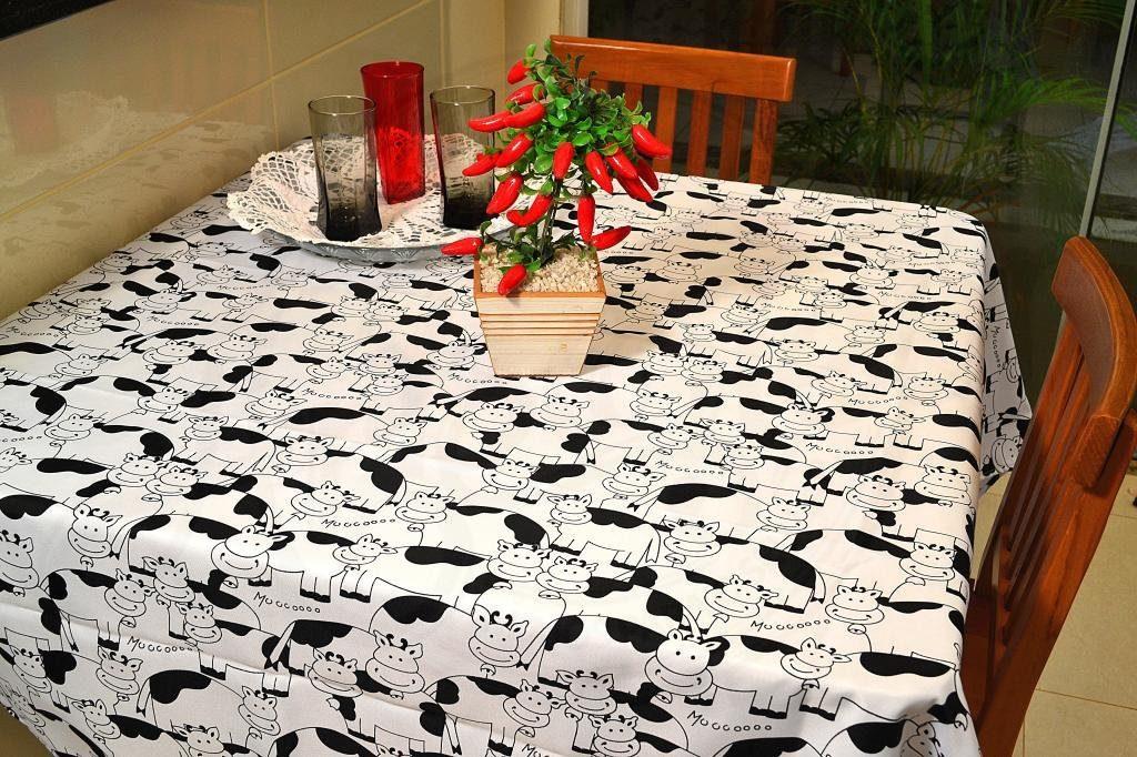 3b186541441e ... adicione o dobro do seu tamanho nas dimensões da toalha. Assim, para  uma barra de 20 centímetros em uma mesa de 1 x 1, a toalha deve ter 1,40 x  1,40.